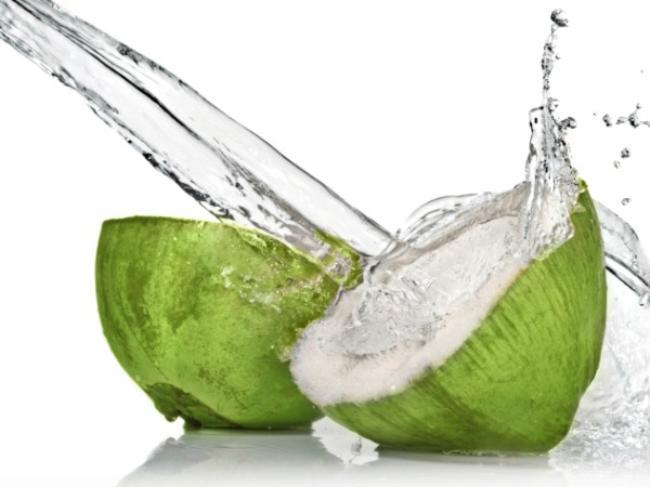3 tháng cuối thai kỳ có nên uống nước dừa